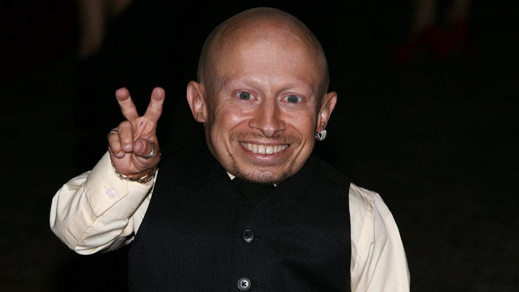 American actor Verne Troyer arrives at the premiere of the film The Imaginarium of Doctor Parnassus in London on Tuesday, Oct 6, 2009. (AP Photo/Chris Uncle)