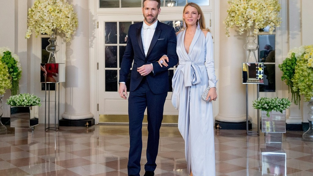 Actor Ryan Reynolds and entertainer Blake Lively, arrive for a State Dinner for Canadian Prime Minister Justin Trudeau, Thursday, March 10, 2016, at the White House in Washington. (AP Photo/Andrew Harnik)