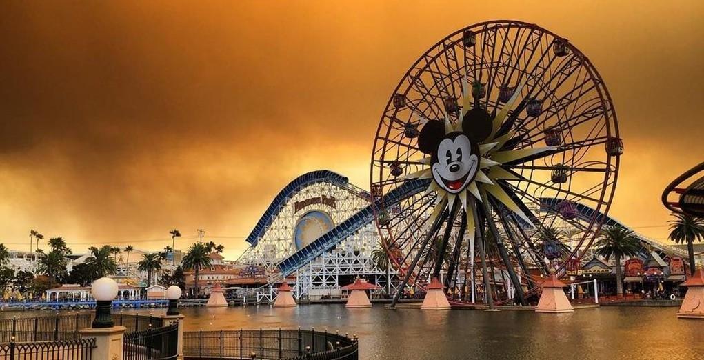 Disneyland Smoke